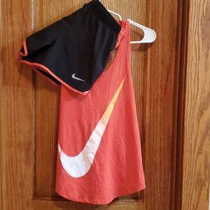 2 pc Womens Nike Tank/shorts set size XS